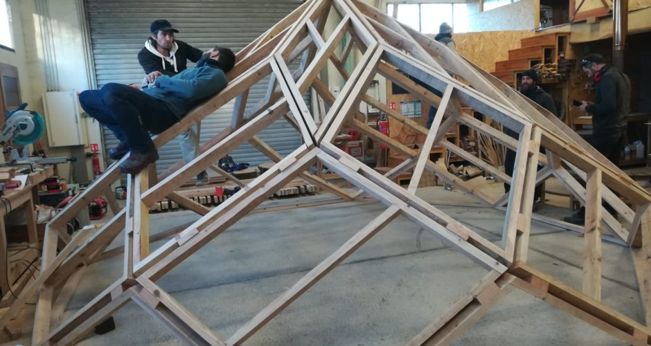 chantier participatif de fabrication d un zome eventail menuiserie. Black Bedroom Furniture Sets. Home Design Ideas