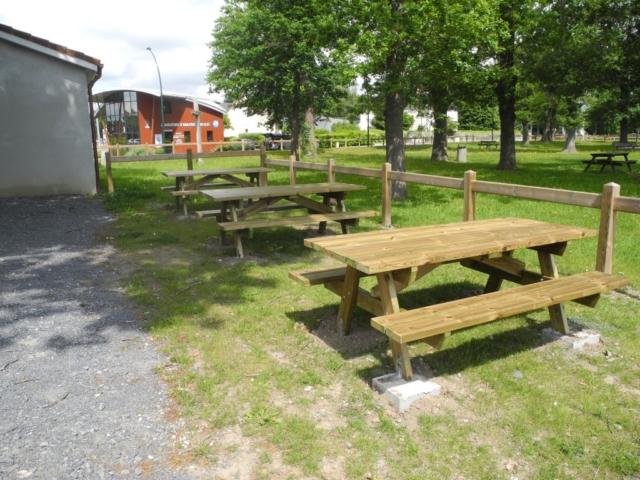 Table d'exterieur plein soleil Lons artisan