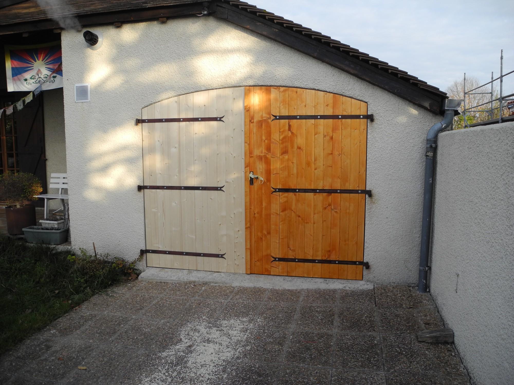 Porte de Garage Menuiserie Lons et Pau