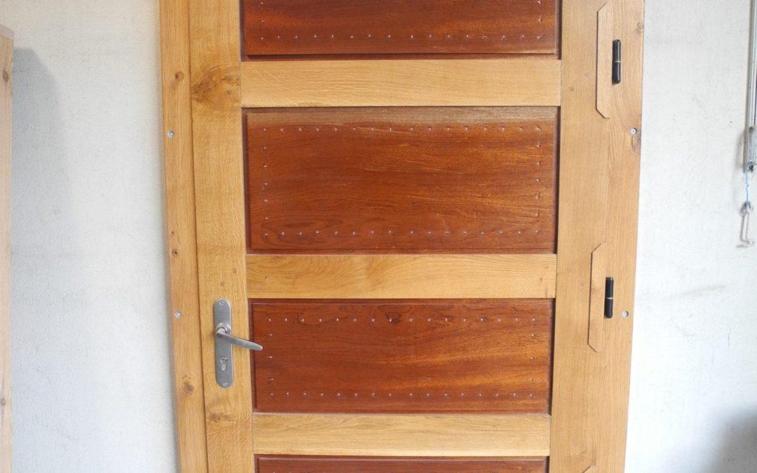Porte de service de l'atelier