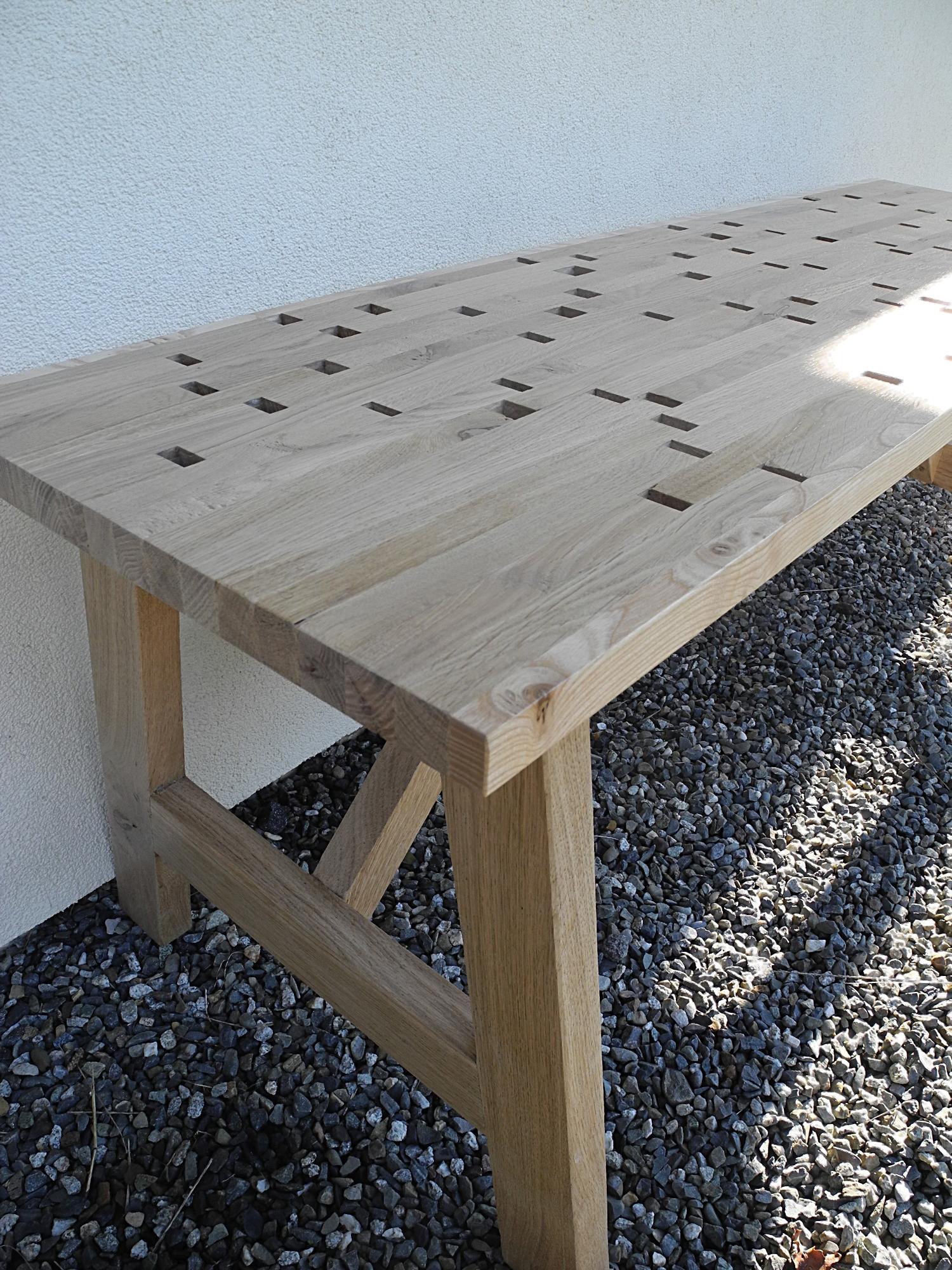 Table extérieur en bois meuble