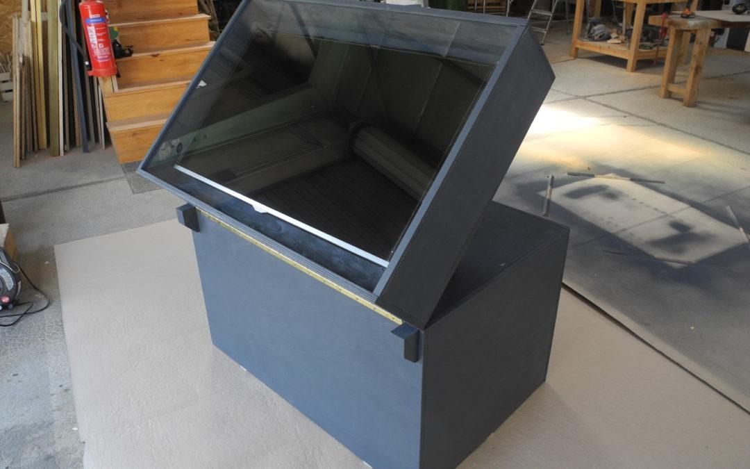 Socle TV pour visites d'une cave