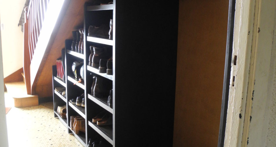 etag re sous escalier eventail menuiserie. Black Bedroom Furniture Sets. Home Design Ideas