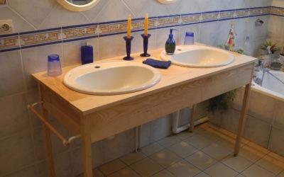 Un meuble vasque en frêne